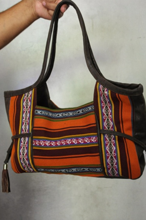 RISE SHOULDER BAG - front