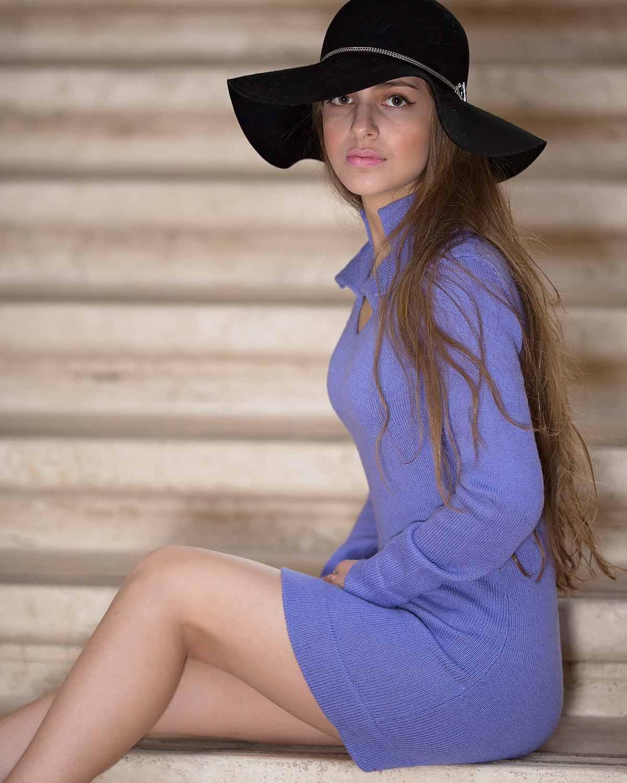 APRICITY ALPACA DRESS - front