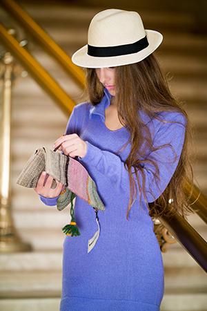 APRICITY ALPACA DRESS - back