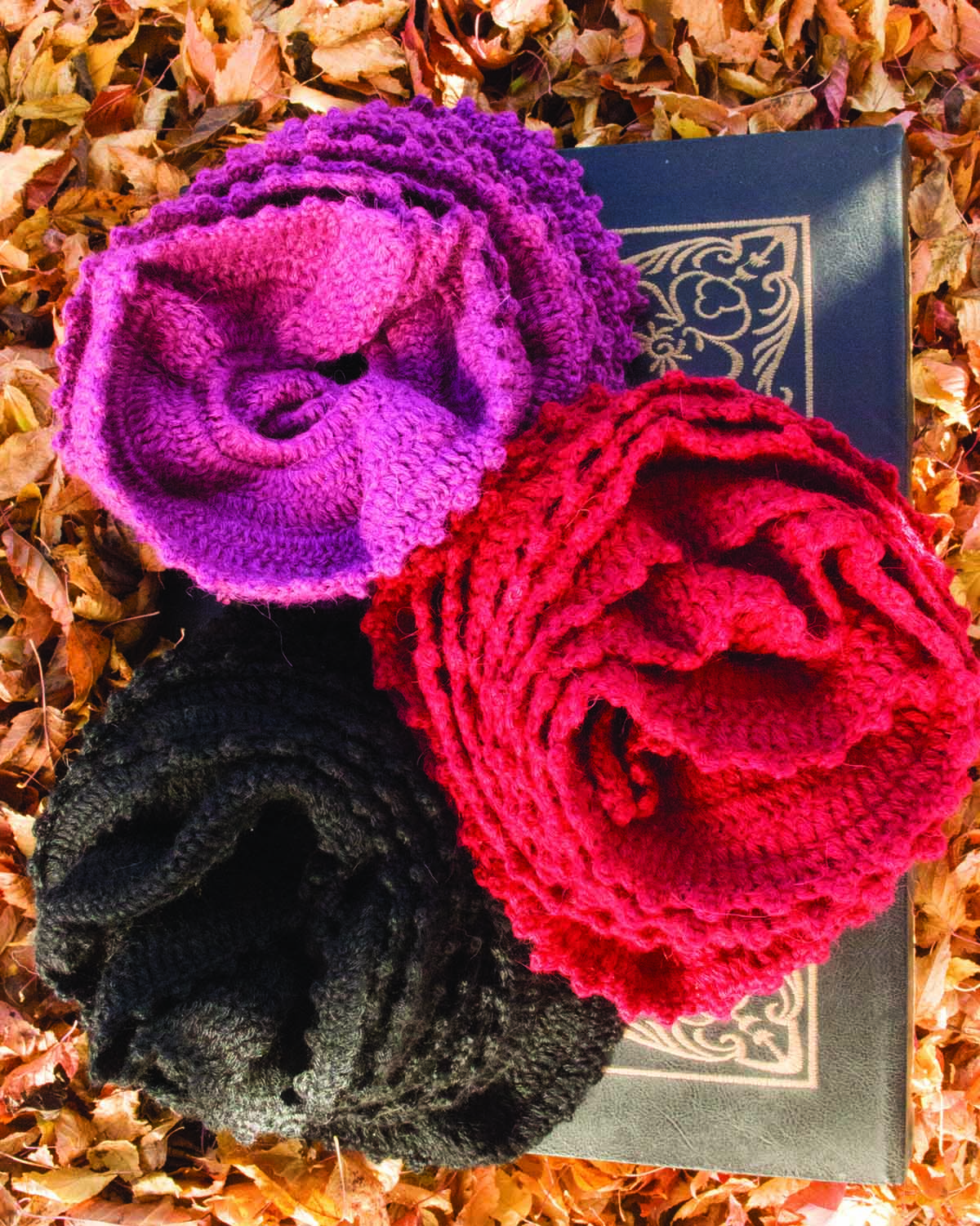ROSE THORN ALPACA SCARF - back